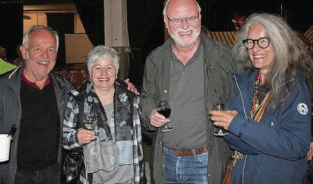Markus Böni (Präsident Skiclub Wil), Angela Kissling (Präsidentin Trachtengruppe Wil), Renato Kissling (Jodlerclub Wil) und Sonja Dürmüller (Trachtengruppe Wil) (von links).