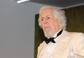 Karl Ulmer spielt den ermordeten Baron von Herrschershausen.